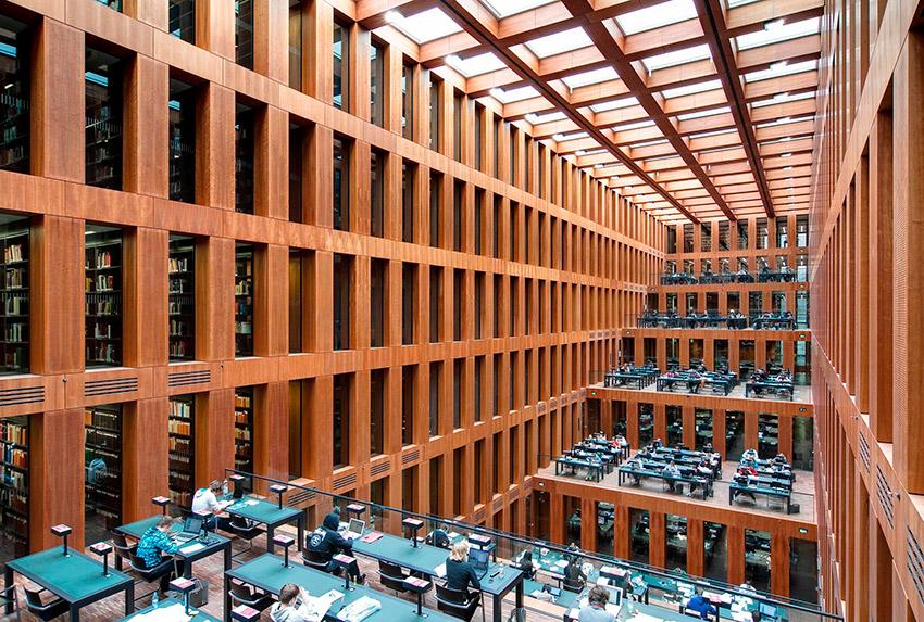 Biblioteca de la Universidad de Humboldt, una de las bibliotecas más bonitas del mundo