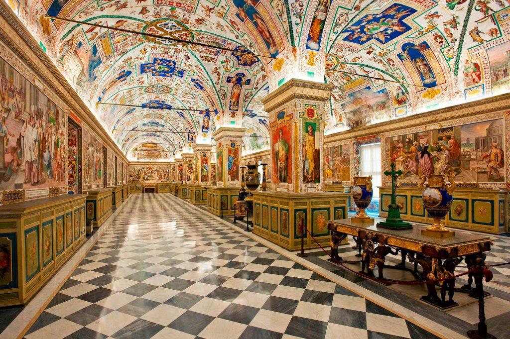 Biblioteca Vaticana, una de las bibliotecas más bonitas del mundo