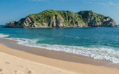 Las playas tranquilas en Oaxaca que te encantarán