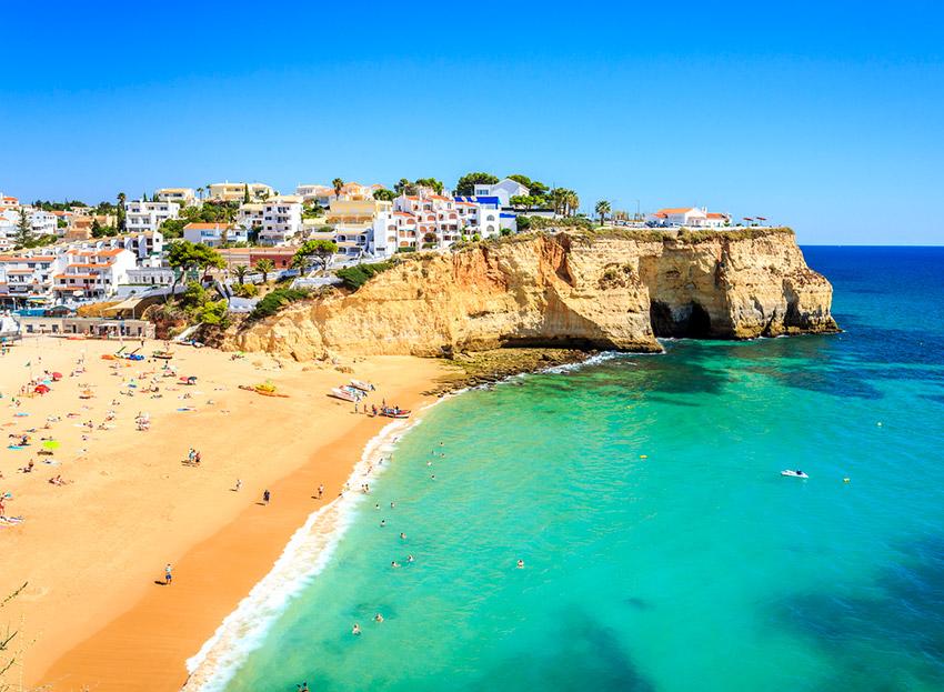 El Algarve, uno de los lugares para viajar con un bebé