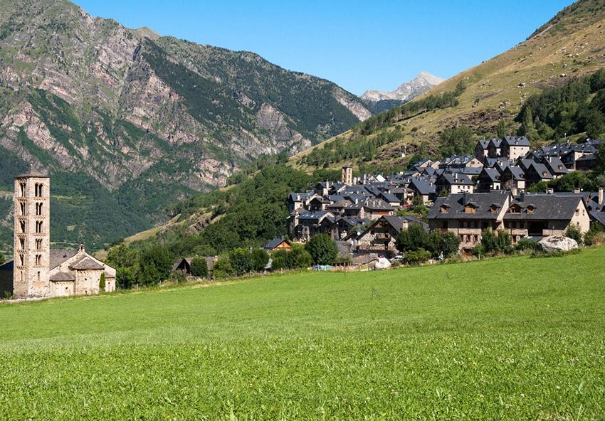 Los Pirineos, uno de los lugares para viajar con un bebé