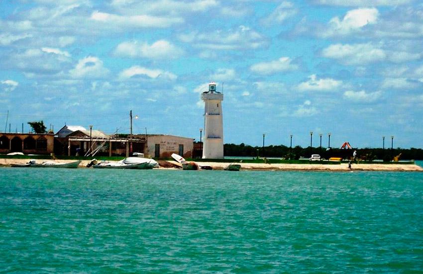 Isla Arena, una de las playas tranquilas en Campeche