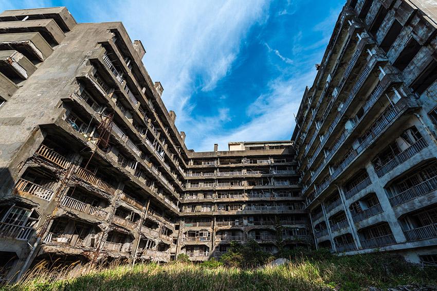 Gunkanjima, uno de los pueblos fantasma en Japón