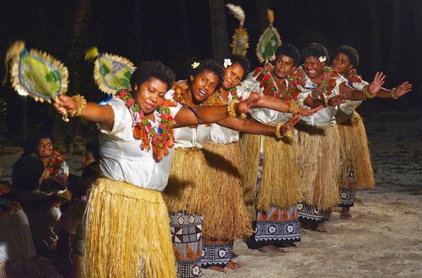 Los bailes, una de las cosas qué hacer en Fiji