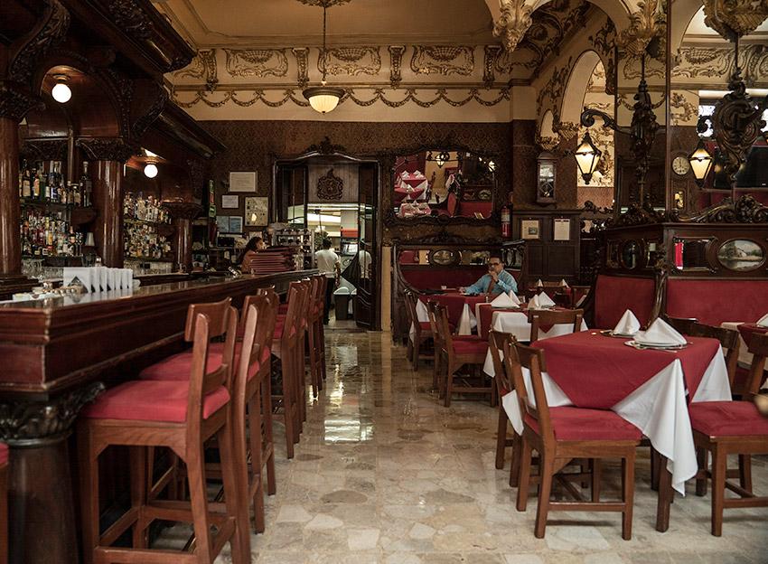 Bar La Ópera, uno de los bares más antiguos de México