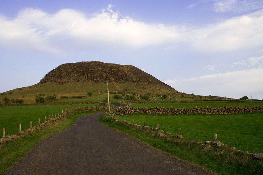 la Montaña de Slemish, uno de los lugares de las rutas de peregrinaje en Irlanda