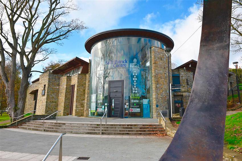 Centro de Visitantes de San Patricio, uno de los lugares de las rutas de peregrinaje en Irlanda