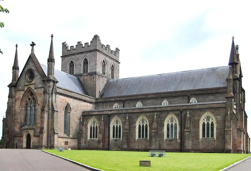 Catedral de San Patricio, uno de los lugares de las rutas de peregrinaje en Irlanda