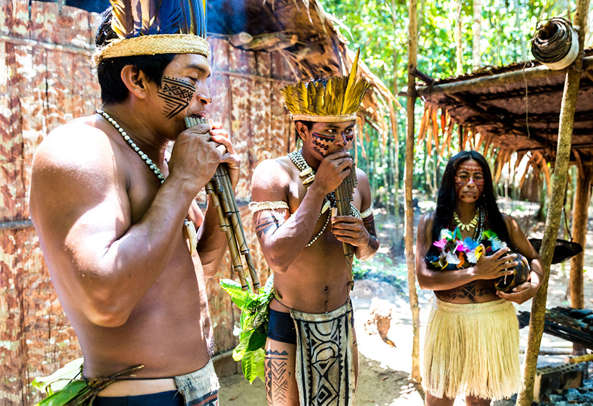 Indígenas, uno de los consejos para recorrer el Amazonas