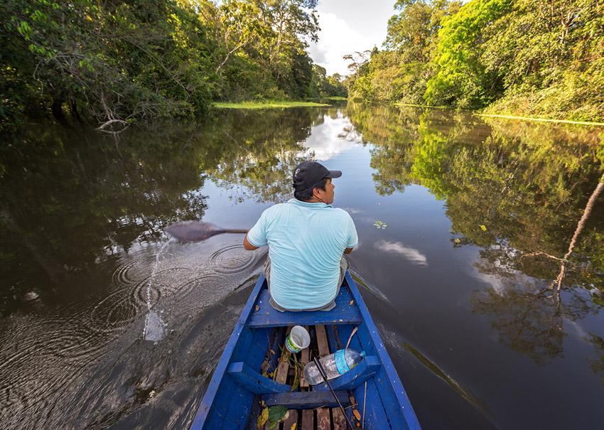Un guía experto, uno de los consejos para recorrer el Amazonas