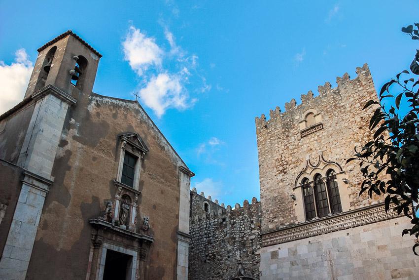 Palazzo Corvaja, uno de los lugares de Taromina y uno de los rincones que no puedes perderte en Sicilia