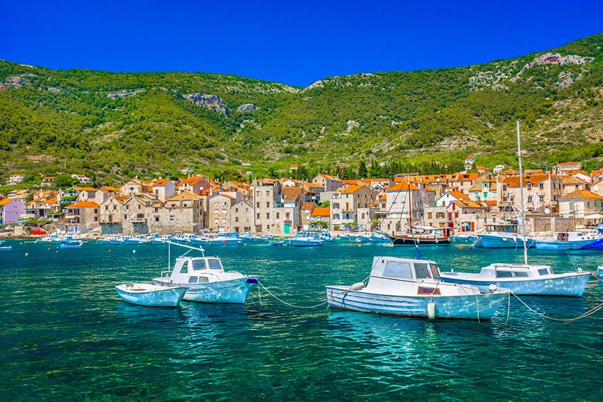 Vis, uno de los lugares para huir del turismo en el 2018
