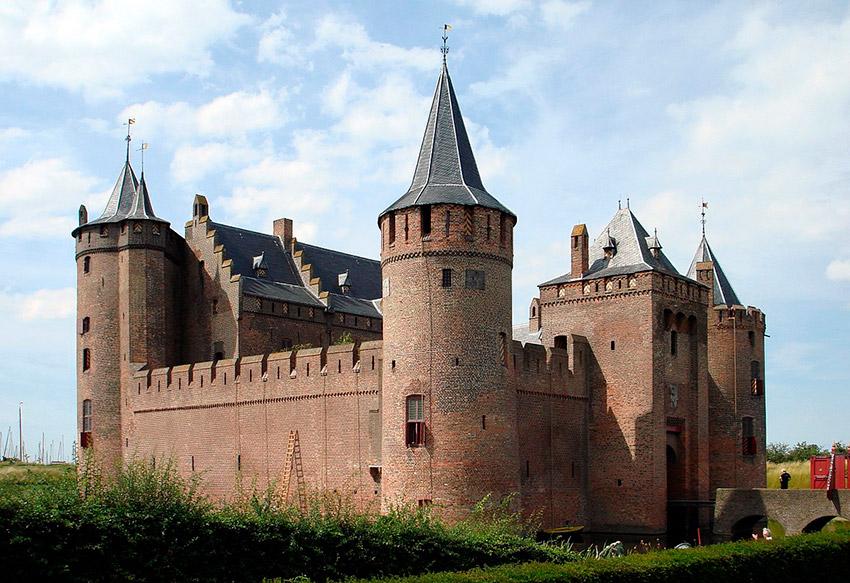El Castillo de Muiderslot, uno de los castillos de cuento en Holanda