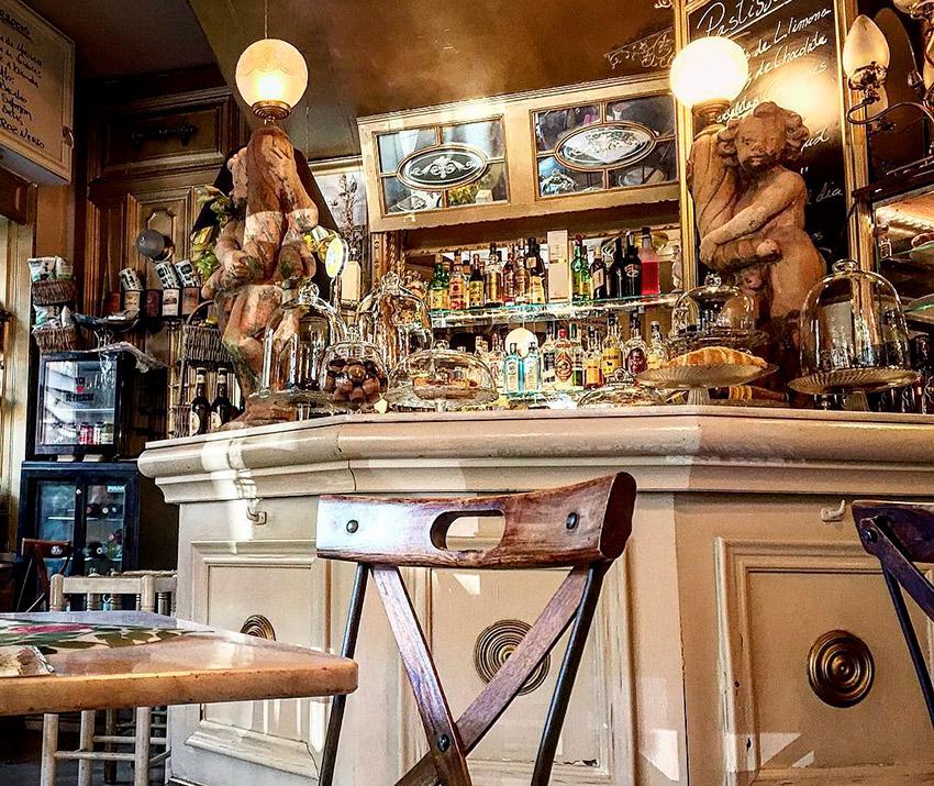 Cafetería Clarés, uno de los cafés de moda en Barcelona