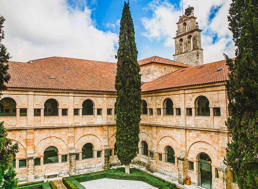 Abadía Retuerta Le Domain, uno de los hoteles para yoguis en España