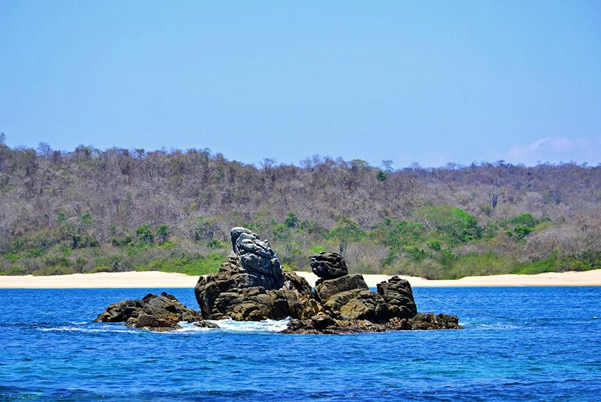Bahía de Chachacual, una de las mejores bahías de Oaxaca