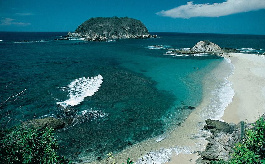 Bahía de Cacaluta, una de las mejores bahías de Oaxaca