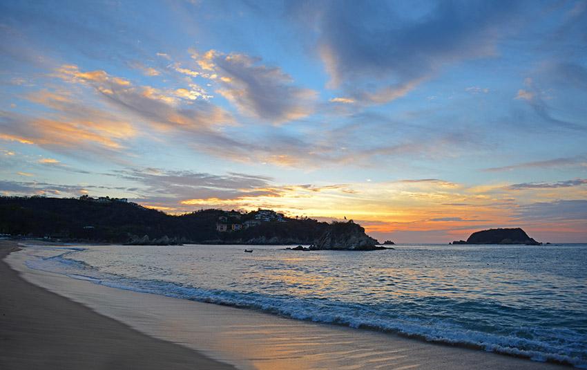 Bahía de Tangolunda, una de las mejores bahías de Oaxaca