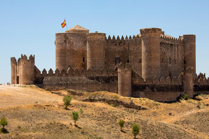 Castillo de Belmonte, uno de los castillos de cuento en España