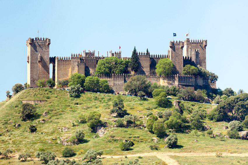 Castillo de Almodóvar del Río, uno de los castillos de cuento en España
