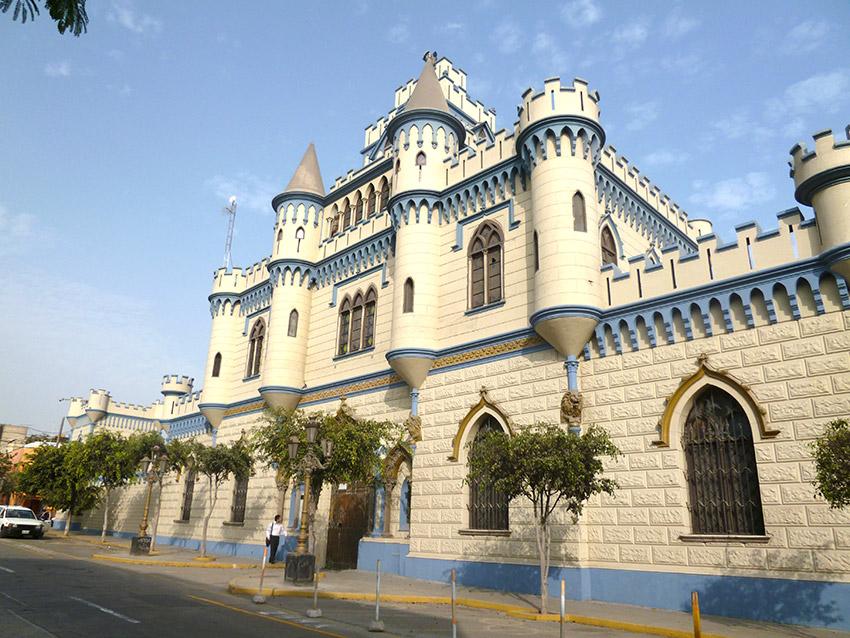 Castillo Rospigliosi, uno de los castillos de cuento en Perú