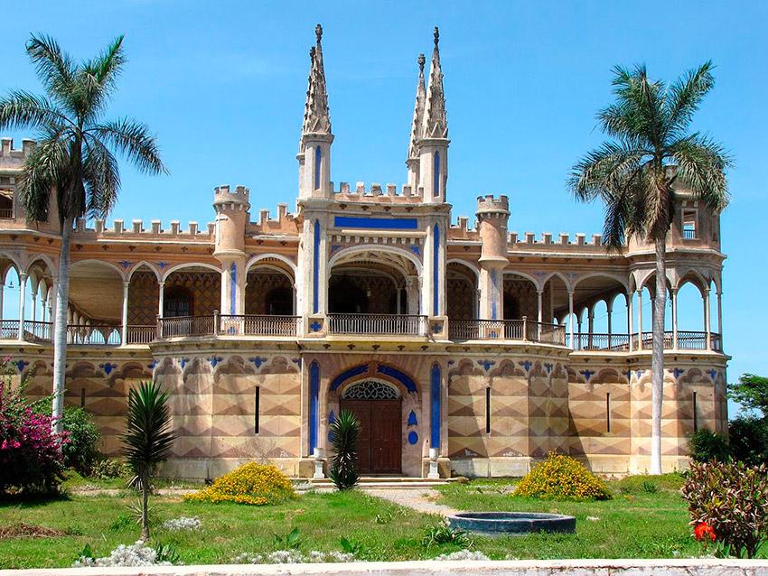Castillo Unánue, uno de los castillos de cuento en Perú
