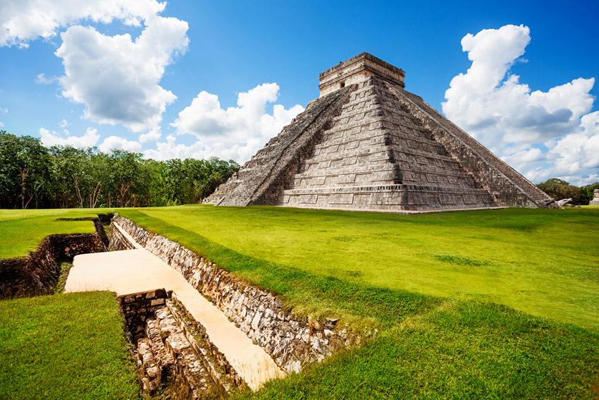 Cancún, uno de los destinos para viajar con tus amigos este verano