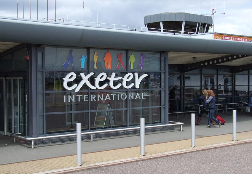 Aeropuerto de Exeter, uno de los aeropuertos más extremos