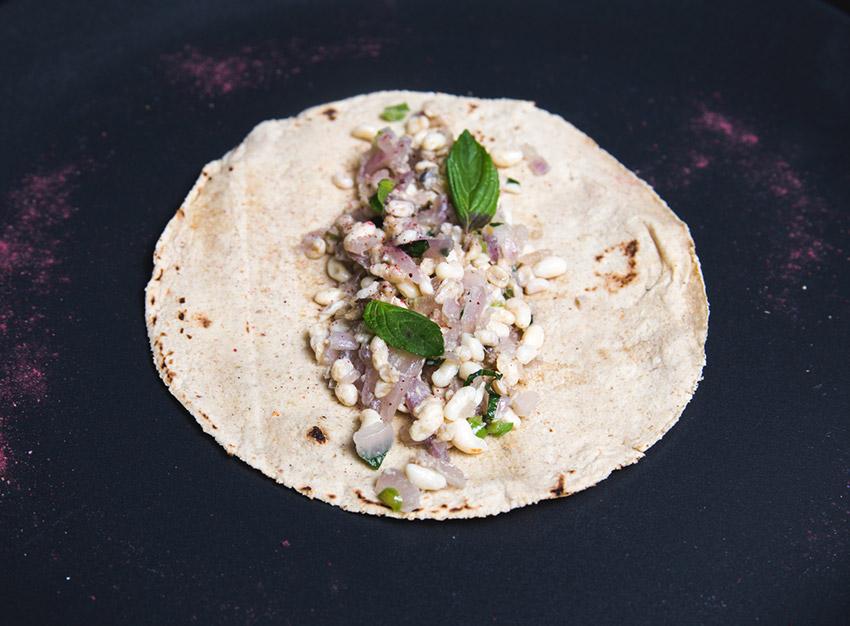 Escamoles, una de las comidas extrañas en México