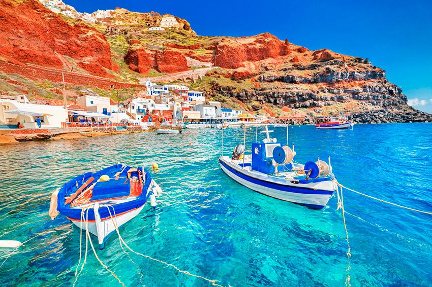 Santorini, una de las ciudades para viajar con tus abuelos