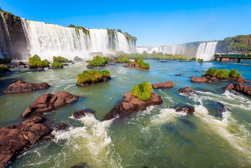 Iguazú, uno de los destinos donde viajar en octubre en América