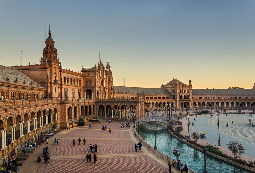 Sevilla, una de las ideas para regalar un viaje