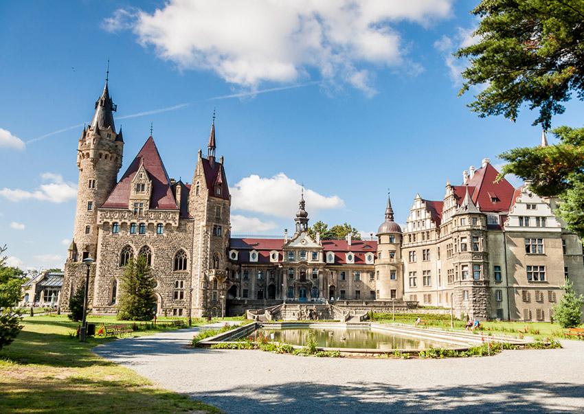 Castillo Moszna, uno de los castillos de cuento imprescindibles en Polonia