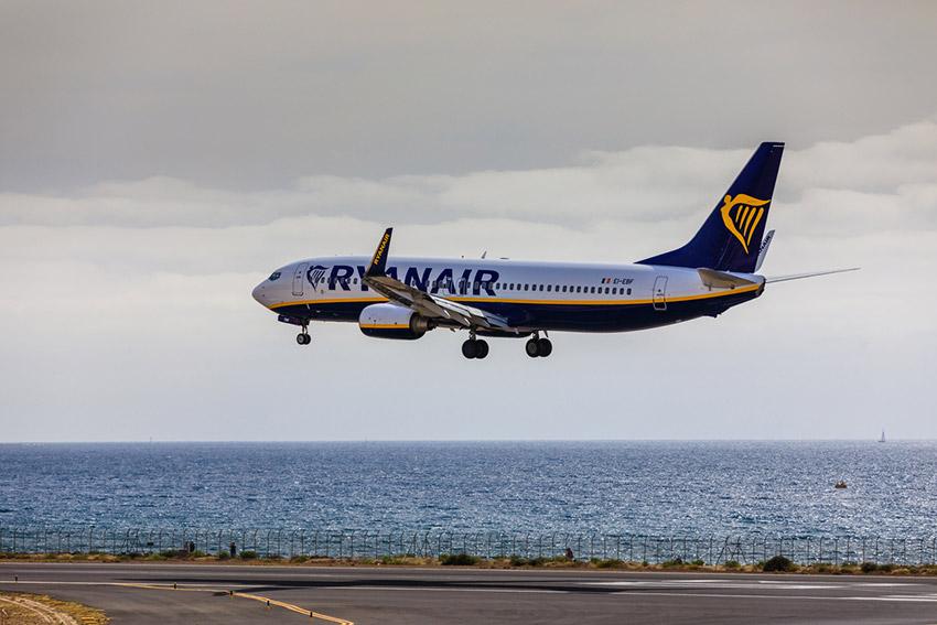 Tripulantes de Ryanair convocan huelga
