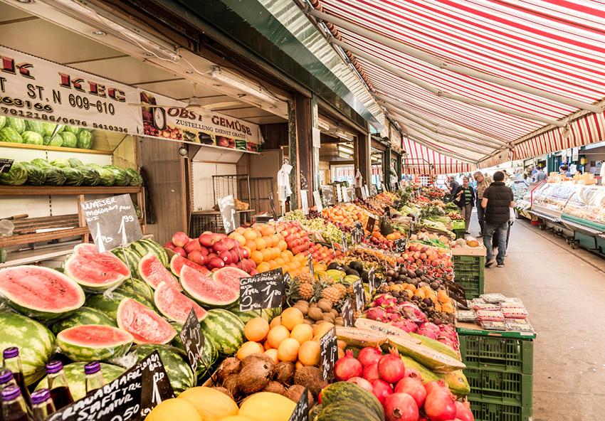 Naschmarkt, una de las cosas qué ver en Viena