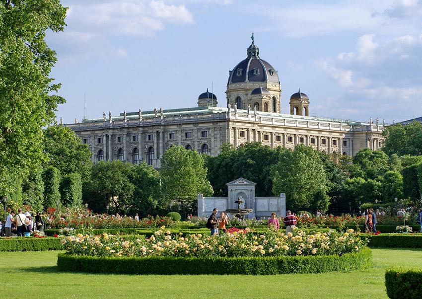 Jardín Volksgarten, una de las cosas qué ver en Viena