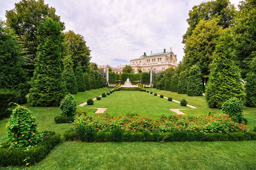 Parque Volksgarten, una de las cosas qué ver en Viena